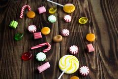 Hölzerne Feiertagsminze der Süßigkeit hell Lizenzfreies Stockfoto