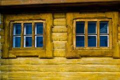 Hölzerne Fenster Lizenzfreie Stockbilder