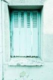 Hölzerne Fenster der europäischen Tradition Stockbild