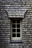 Hölzerne Fliesen auf einem Dach Lizenzfreies Stockbild