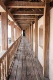 Hölzerne Galerie der Festung Lizenzfreies Stockbild