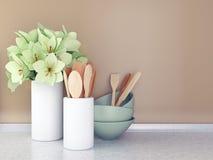Hölzerne Geräte und Blumen stockfoto