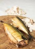 Hölzerne geräucherte Makrele Selbst gemachte geräucherte Fische Lizenzfreies Stockbild