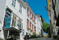 Hölzerne Häuser in Bergen Norwegen lizenzfreie stockbilder