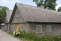 Hölzerne Häuser in Trakai Stockbild