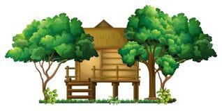 Hölzerne Hütte im Wald lizenzfreie abbildung