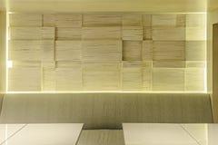 Hölzerne Hotel-Café-Wand Stockfoto