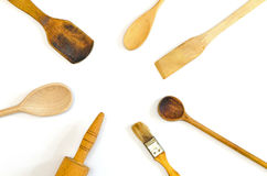 Hölzerne Küchengeräte radial vereinbart lizenzfreies stockbild