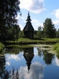 Hölzerne Kirche. Lizenzfreie Stockfotografie