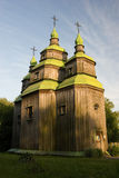 Hölzerne Kirche im Park Stockfoto