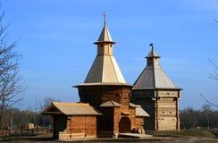 Hölzerne Kirche in Russland Stockbild