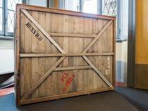 Hölzerne Kiste der Weinlese lizenzfreie stockfotografie
