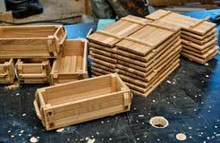 Hölzerne Kisten für kleine Sachen lizenzfreies stockbild