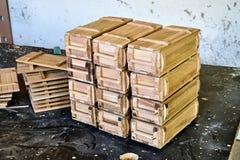 Hölzerne Kisten für kleine Sachen lizenzfreie stockfotos