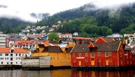 Hölzerne Lager Bergen Harbor Norway Lizenzfreie Stockfotos