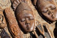 Hölzerne Masken von afrikanischem Stammes- Stockbild