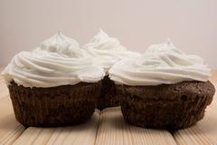 Hölzerne Muffins Stockbild