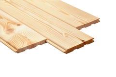 Hölzerne Planke des Stapels lokalisiert auf weißem Hintergrund stockfoto
