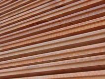 Hölzerne Planken gestapelt Stockbild