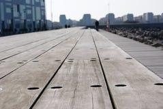 Hölzerne Plattform in Malmö Stockfotografie