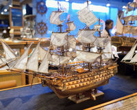 Hölzerne Replik des alten berühmten Schiffes Stockfoto