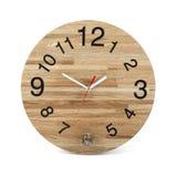 Hölzerne runde Wanduhr mit Eulenspielzeug - Uhr lokalisiert stockbilder