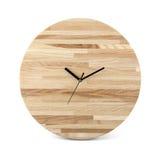 Hölzerne runde Wanduhr - Uhr lokalisiert stockbilder