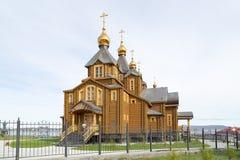 Hölzerne russische orthodoxe christliche Kirche lizenzfreie stockbilder