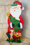 Hölzerne Santa Christmas Statue Stockfotografie