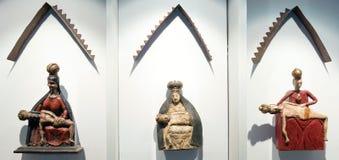 Hölzerne Skulptur auf Slanica-Insel, Slowakei Stockbilder