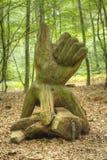 Hölzerne Skulptur einer Hand ein Holz Stockfoto