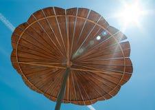 Hölzerne Sonneabdeckung Stockfoto