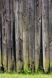 Hölzerne Stallwand Stockfoto