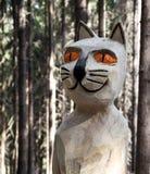 Hölzerne Statue der Katze Stockfotos