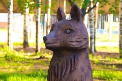 Hölzerne Statue des Fuchses Lizenzfreie Stockfotos