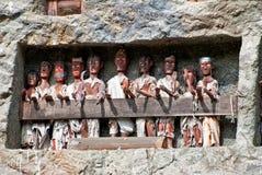 Tau tau-Statuen in Lemo, Indonesien Lizenzfreie Stockfotos