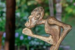 Hölzerne Statuette der Stammes- Art Lizenzfreie Stockfotos