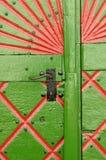Hölzerne Tür lizenzfreie stockfotos