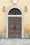 Hölzerne Tür und Wand Stockfoto