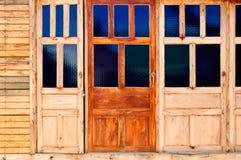 Hölzerne Türen. Stockbild