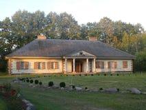 Hölzerne Villa Lizenzfreie Stockfotos