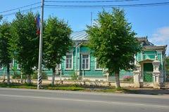 Hölzerne Villa des 19. Jahrhunderts in Pereslavl-Zalessky, Russland Stockbilder
