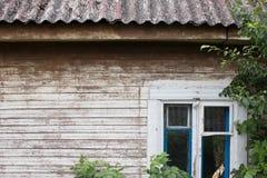 Hölzerne Wand einer alten Hütte Lizenzfreies Stockbild