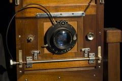 Hölzerne Weinlesekamera seit 1930 lizenzfreies stockfoto