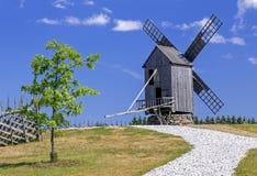 Hölzerne Windmühle Lizenzfreies Stockfoto