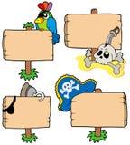 Hölzerne Zeichenansammlung des Piraten Stockfotos