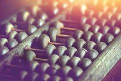 Hölzerner Abakus der Weinlese benutzt für die Berechnung Lizenzfreie Stockbilder