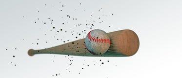 Hölzerner Baseballschläger, der einen Ball schlägt Stockfotografie