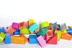 Hölzerner Bau für Kinderspiel Stockfotos