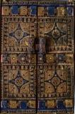 Hölzerner blauer und brauner kopierter Fensterfensterladen Lizenzfreie Stockbilder